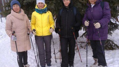 «Владимирский сад» приглашает всех на занятия по скандинавской ходьбе